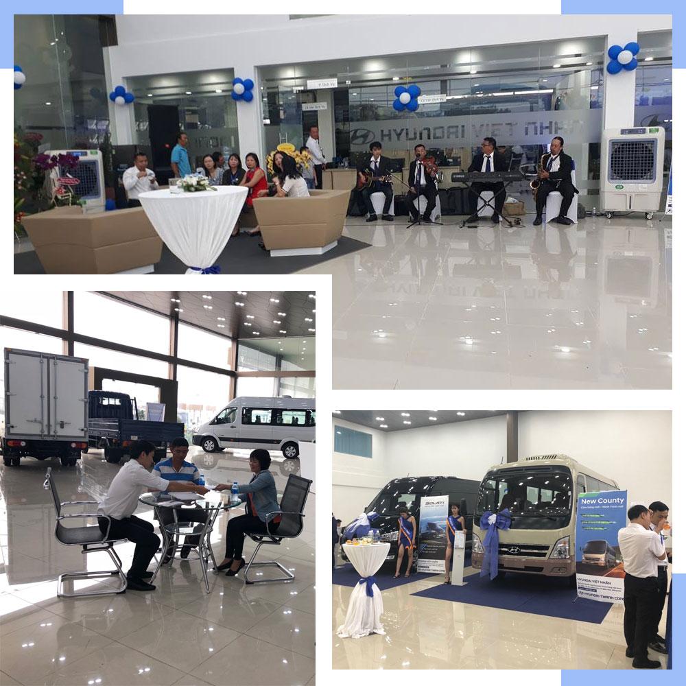 Khu vực sảnh trưng bày các mẫu xe tại Hyundai Việt Nhân