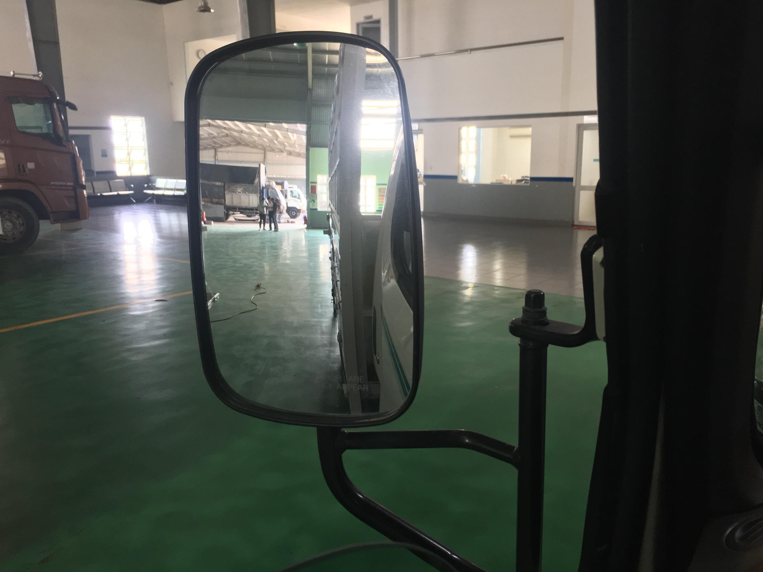 Gương chiếu hậu thiết kế với góc quan sát lớn, tăng độ an toàn của 75s và 110s